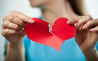Ruptura de pareja: aspectos emocionales de la separación y cómo superarla.