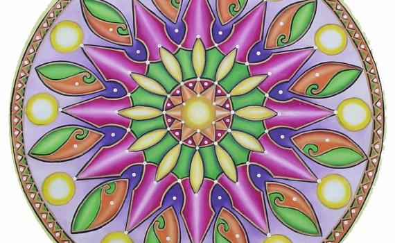 Pintar màndales promou la concentració i relaxació. Davant de casos d'ansietat i estrés.